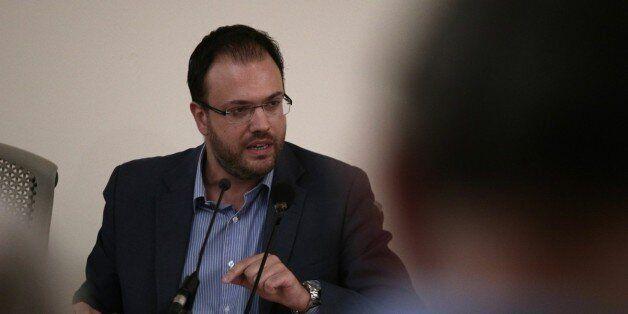 Πρόταση Θεοχαρόπουλου: Μεταβατικό πολυκομματικό σχήμα και μετά ανάδειξη αρχηγού της κεντροαριστεράς με