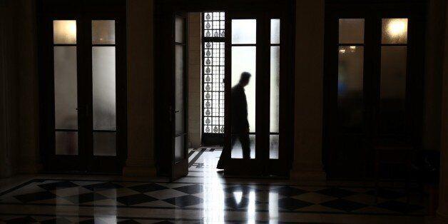 Καρφιά κυβερνητικών στελεχών κατά Μητσοστάκη για «νόμπελ ξενοφοβίας» και