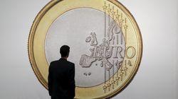 Τουλάχιστον το 30% του συνολικού ελληνικού χρέους πρέπει να αναδιαρθρωθεί, λέει ο διευθυντής ερευνών του Γερμανικού Ινστιτούτ...