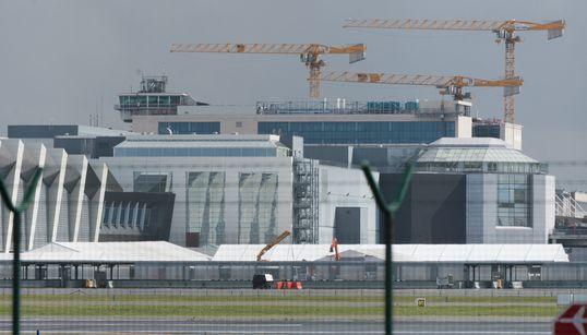 Κλειστό παραμένει το αεροδρόμιο των Βρυξελλών. Θα χρειαστούν μήνες για να επαναλειτουργήσει