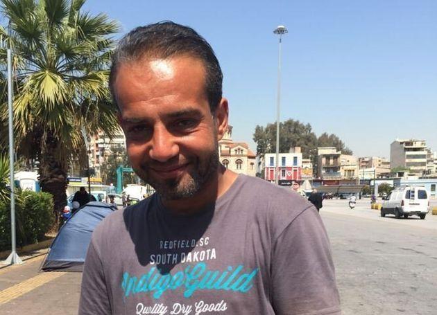 Με ορίζοντα 15 ημερών η εκκένωση του λιμανιού του Πειραιά. «Αξιοπρεπής λύση για όλους», ζητούν οι πρόσφυγες...