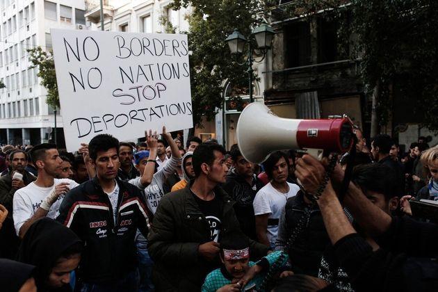 Πορεία μεταναστών και προσφύγων στο κέντρο της