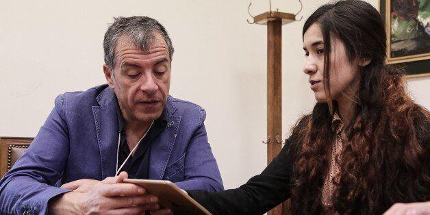 Συνάντηση του Σταύρου Θεοδωράκη με την 21 Γεζίντι που ήταν αιχμάλωτη του Iσλαμικού