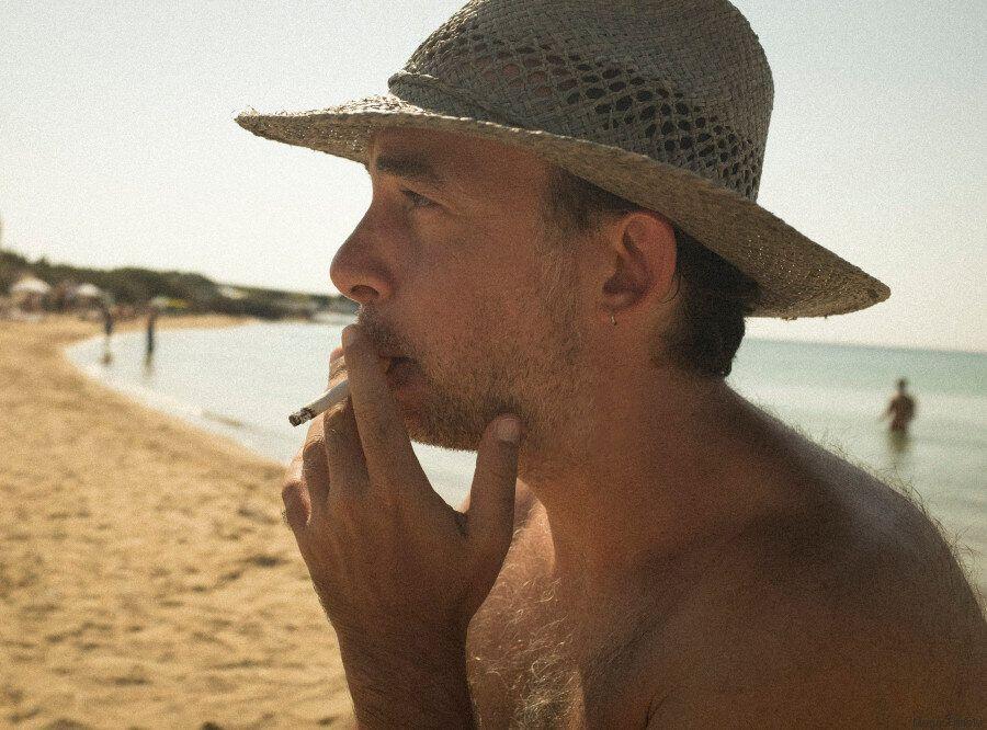 Αν δείτε το «SUNTAN» χωρίς ήχο και το καταλάβετε, ο Αργύρης Παπαδημητρόπουλος θα έχει κερδίσει το στοίχημά