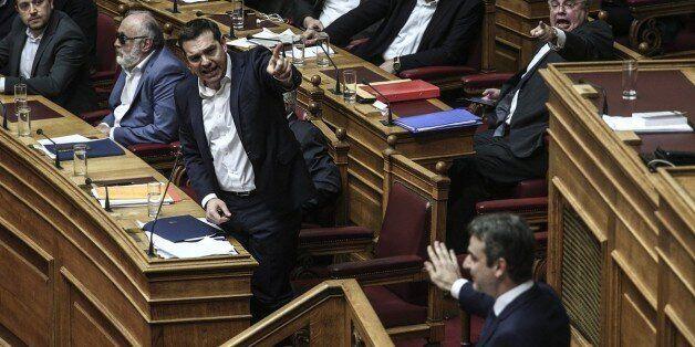Θυελλώδης προ ημερησίας για τη Δικαιοσύνη με εκλογές, κραυγές και εξεταστικές - Οξεία αντιπαράθεση Τσίπρα...