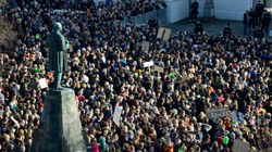 Χιλιάδες πολίτες στους δρόμους στην Ισλανδία απαιτώντας εκλογές «τώρα» στον απόηχο των αποκαλύψεων των Panama