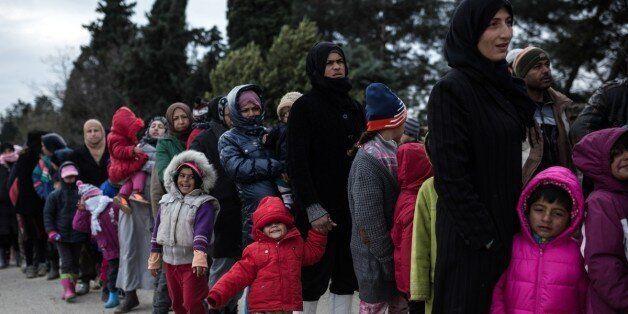 Πρόσφυγες και μετανάστες στον Κατσικά Ιωαννίνων απειλούν να καταστρέψουν σκηνές και να φύγουν, διαμαρτυρόμενοι...