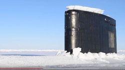 Η συναρπαστική στιγμή που ένα πυρηνοκίνητο υποβρύχιο αναδύεται από τους πάγους της