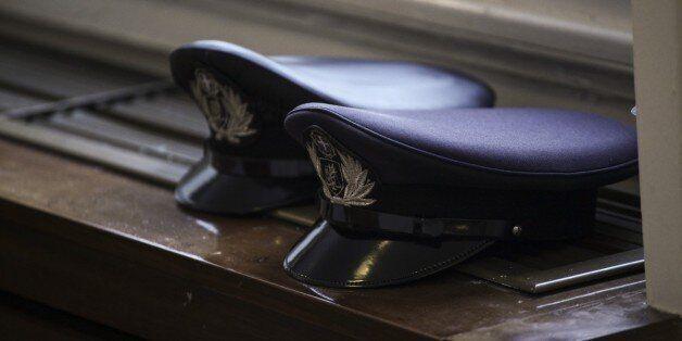 Αναχώρησαν για το Τσεσμέ οι δύο πρώτοι Έλληνες αστυνομικοί στα πλαίσια της