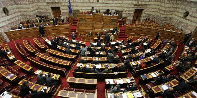 Σύσσωμη η πολιτική ηγεσία καταδικάζει τις επιθέσεις στις