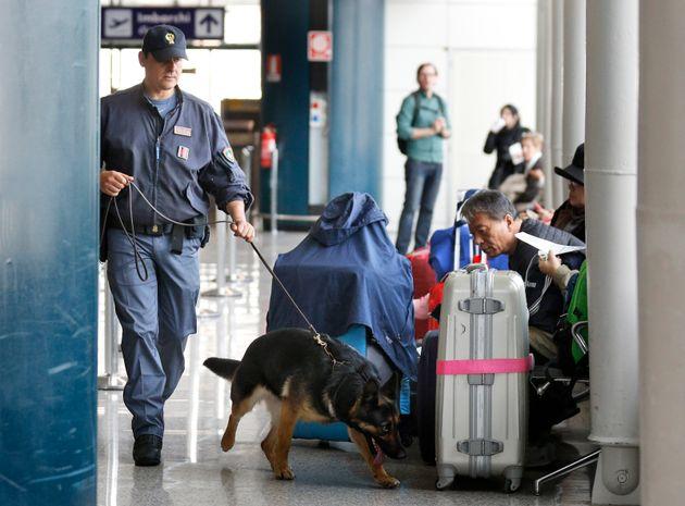 «Οχυρώνεται» η Ευρώπη. Έκτακτα μέτρα ασφαλείας σε πολλές χώρες. Προτεραιότητα αεροδρόμια, σταθμοί ΜΜΜ...