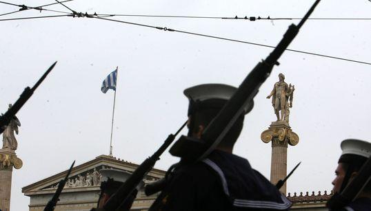 Με τη στρατιωτική παρέλαση κορυφώθηκαν οι εκδηλώσεις για την επέτειο της 25ης