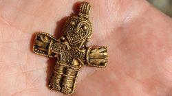 Πως η ανακάλυψη ενός σταυρού στη Δανία αλλάζει τα ιστορικά δεδομένα της