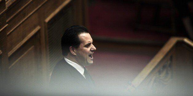 Ημιμαθή αποκάλεσε ο Άδωνις Γεωργιάδης τον Βαρουφάκη με αφορμή την τρόικα το...