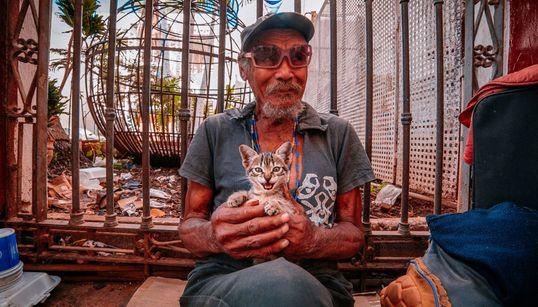 Μια πολύχρωμη ωδή στην Κούβα: Ζωή βγαλμένη από άλλη εποχή στο μαγικό νησί της