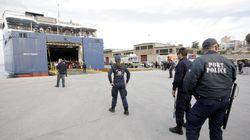 Μέτρα ασφαλείας σε 24ωρη βάση όπου φιλοξενούνται πρόσφυγες και μετανάστες στο λιμάνι του