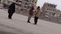 Γυναίκες ρίσκαραν τη ζωή τους για να βιντεοσκοπήσουν τη ζωή στην πρωτεύουσα του Ισλαμικού