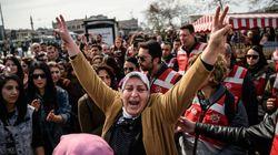 Με πλαστικές σφαίρες διέλυσε η αστυνομία της Κωνσταντινούπολης διαμαρτυρία για την έμφυλη