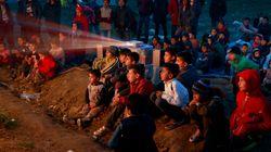 Τα παιδιά στην Ειδομένη είδαν κινούμενα σχέδια καθισμένα στο χώμα - Εσείς δείτε τα μάτια