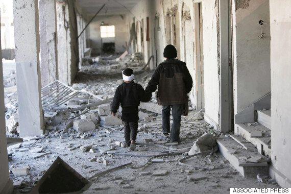Έπειτα από 5 χρόνια πολέμου, η Συρία εν αναμονή μιας αμφίβολης ειρήνης: Πως ξεκίνησε, οι αριθμοί, οι...