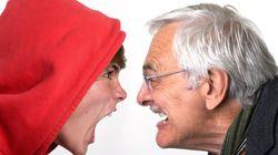 12 Χαρακτηριστικές και «αλλόκοτες» συμπεριφορές που μπορεί να περιμένουν οι γονείς από τα έφηβα παιδιά
