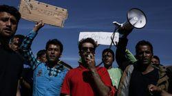 Πορεία μεταναστών και προσφύγων στο Σχιστό - Ζητούν να ανοίξουν τα
