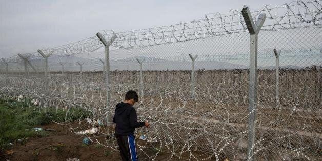 Κλείνει η «βαλκανική οδός» για όλους τους πρόσφυγες. Αυστηροί συνοριακοί έλεγχοι και στη