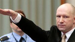 Ο Νορβηγός μακελάρης Μπρέιβικ καταγγέλλει τη Νορβηγία για «απάνθρωπη μεταχείριση» και χαιρετά