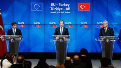Συμφωνία ΕΕ - Τουρκίας επί της αρχής για το προσφυγικό. Μεταθέτουν τις οριστικές αποφάσεις την ερχόμενη