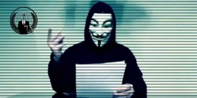 Οι Anonymous κήρυξαν πόλεμο στον Τραμπ. Απειλούν να του κλείσουν τα sites και να δημοσιοποιήσουν υλικό...