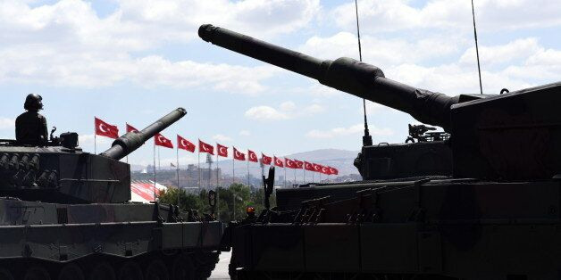 Τουρκία: «Πράσινο φως» για εξοπλιστικά προγράμματα 5,9 δισ.