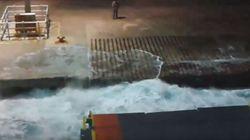 Δύσκολη προσέγγιση πλοίου στο λιμάνι της