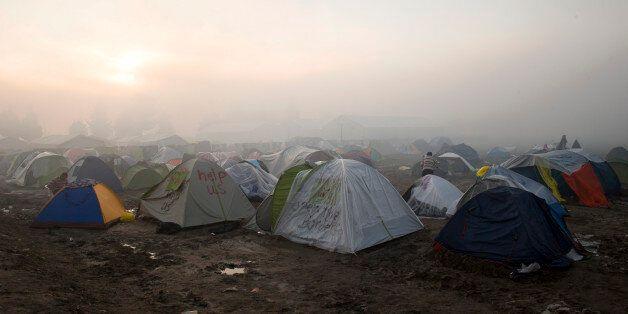 Είναι ο ελληνικός δρόμος για τη φτώχεια στρωμένος με τα χρήματα της ανθρωπιστικής