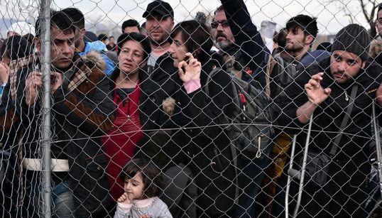 Μόλις 300 οι πρόσφυγες που πέρασαν στην