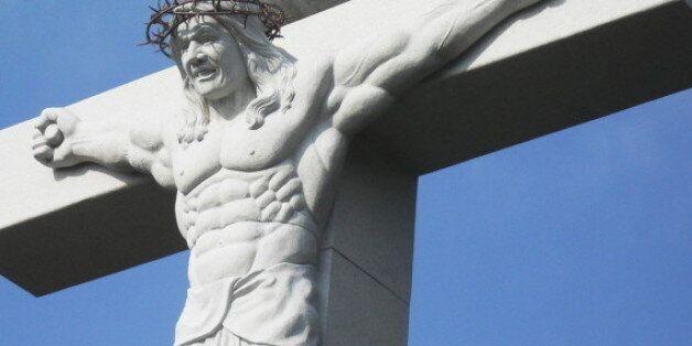 Η απόλυτη έμπνευση για να γυμναστείτε: Άγαλμα του Ιησού ως Εσταυρωμένου...bodybuilder στην