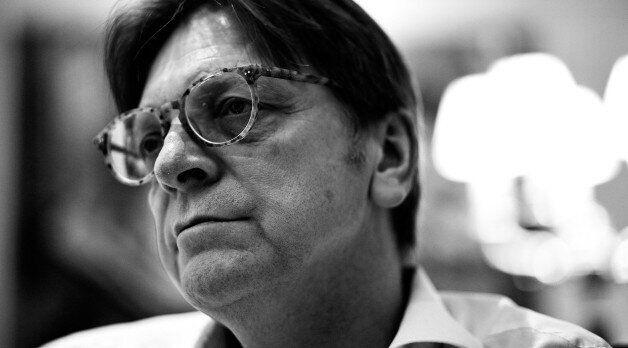 Ο Γκι Φερχόφστατ μιλά στη HuffPost Greece για το δύσκολο μέλλον των ''28'' και στέκεται έντονα επικριτικά...
