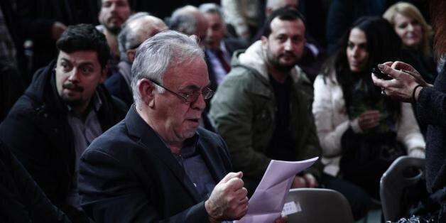Ο Δραγασάκης καλεί τις τράπεζες να αναρτούν δημόσια όλες τις δαπάνες τους για χορηγίες και