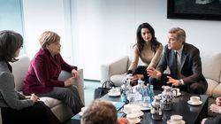 Συνάντηση με την Μέρκελ είχαν στο Βερολίνο οι Τζωρτζ και Αμάλ Κλούνεϊ για το