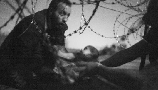 Ο νικητής των φετινών βραβείων του World Press Photo απεικονίζει το δράμα των