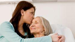Δέκα λόγοι που η σχέση με τη μητέρα μας είναι μοναδική, άσχετα με την ηλικία