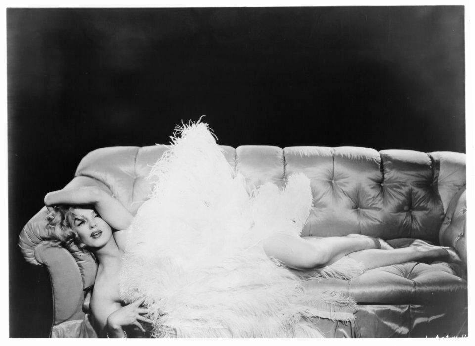 Η ιστορία της Marilyn Monroe ως pin-up είδωλο και σύμβολο του σεξ μέσα από 32 υπέροχες