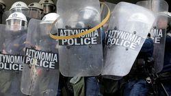 Ο ροπαλοφόρος ενώ καταζητούνταν έγραφε στο Facebook: «Εμείς δεν ήρθαμε στην Αθήνα για σουβλάκια και