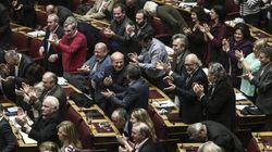 Κριτική από τους αρχηγούς της ήσσονος αντιπολίτευσης στη Βουλή για τις τηλεοπτικές