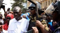 Βίαια επεισόδια στην Ουγκάντα μετά την σύλληψη υποψήφιου προέδρου πριν τις