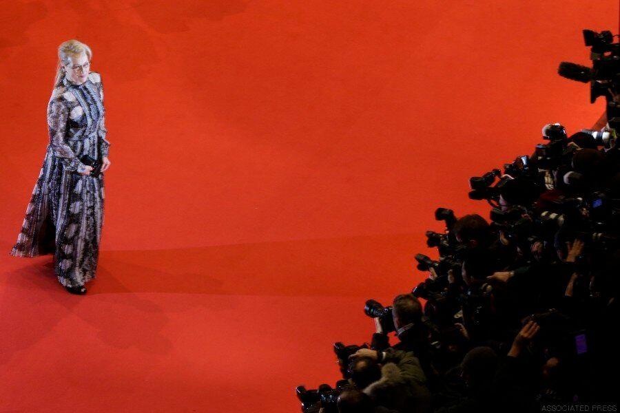 Berlinale: 18 μεγάλες φωτογραφίες από το κόκκινο χαλί της λαμπερής