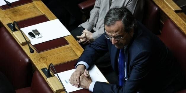 Σαμαράς: Ο Τσίπρας δεν μπορεί να ζητεί να ψηφίζουμε νέα μέτρα και να συνεχίζει «αριστερόστροφη» πολιτική...