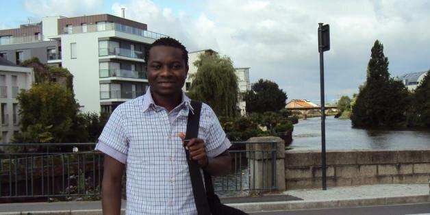 Βράβευση του πρόσφυγα Ζυλιέν που κατάφερε να εισαχθεί ως αριστούχος στη σχολή Ηλεκτρολόγων
