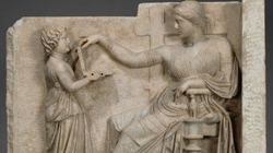 Όργιο θεωριών γύρω από αρχαιοελληνικό γλυπτό στο οποίο εμφανίζεται