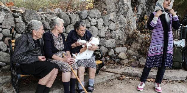 Δύο Έλληνες για το Νόμπελ Ειρήνης: Η γιαγιά Αιμιλία Καμβύση και ο ψαράς Στρατής