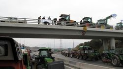 Περιοδικοί αποκλεισμοί δρόμών και πορείες διαμαρτυρίας στη Θεσσαλονίκη από αγρότες και